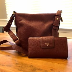Fossil burgundy purse and wallet